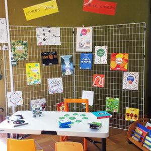 """Exposition """"Jouez ! Avec les livres..."""" à la bibliothèque de Mortagne @ Bibliothèque le Marque-Page"""