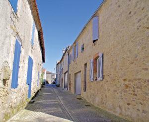 Visite guidée de Mortagne-sur-Sèvre @ Place de la Roseraie